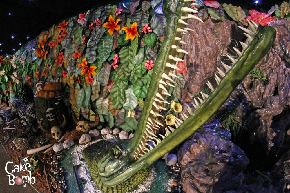 alligator wide