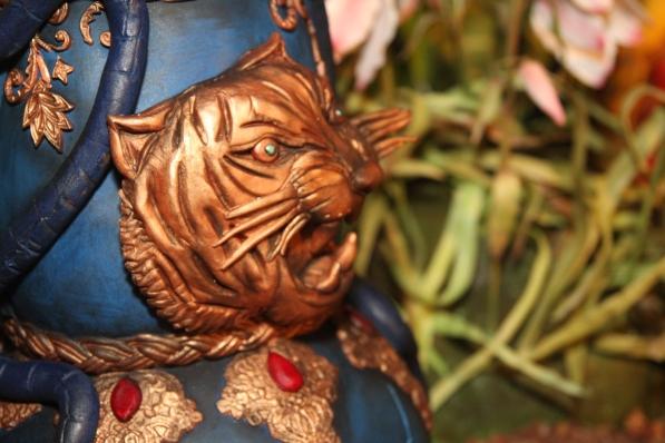 Beth Mottershead's hookah pipe tiger