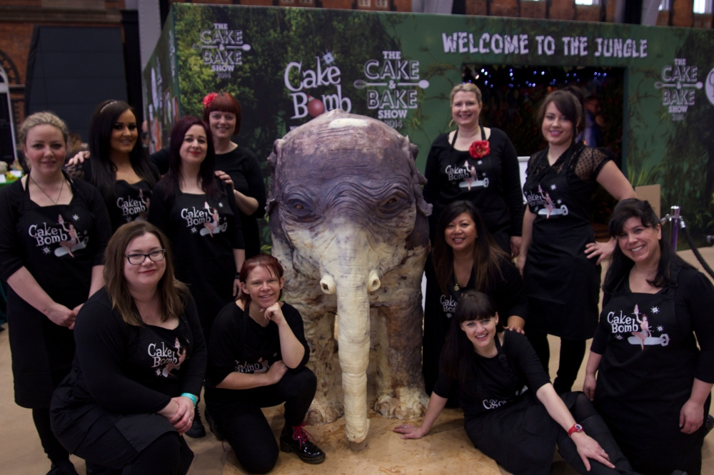 CakeBomb with the elephant
