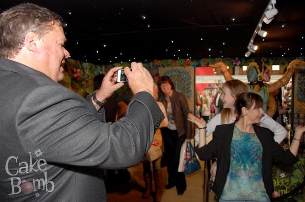 Ted Robbins helps some ladies with their jungle selfie