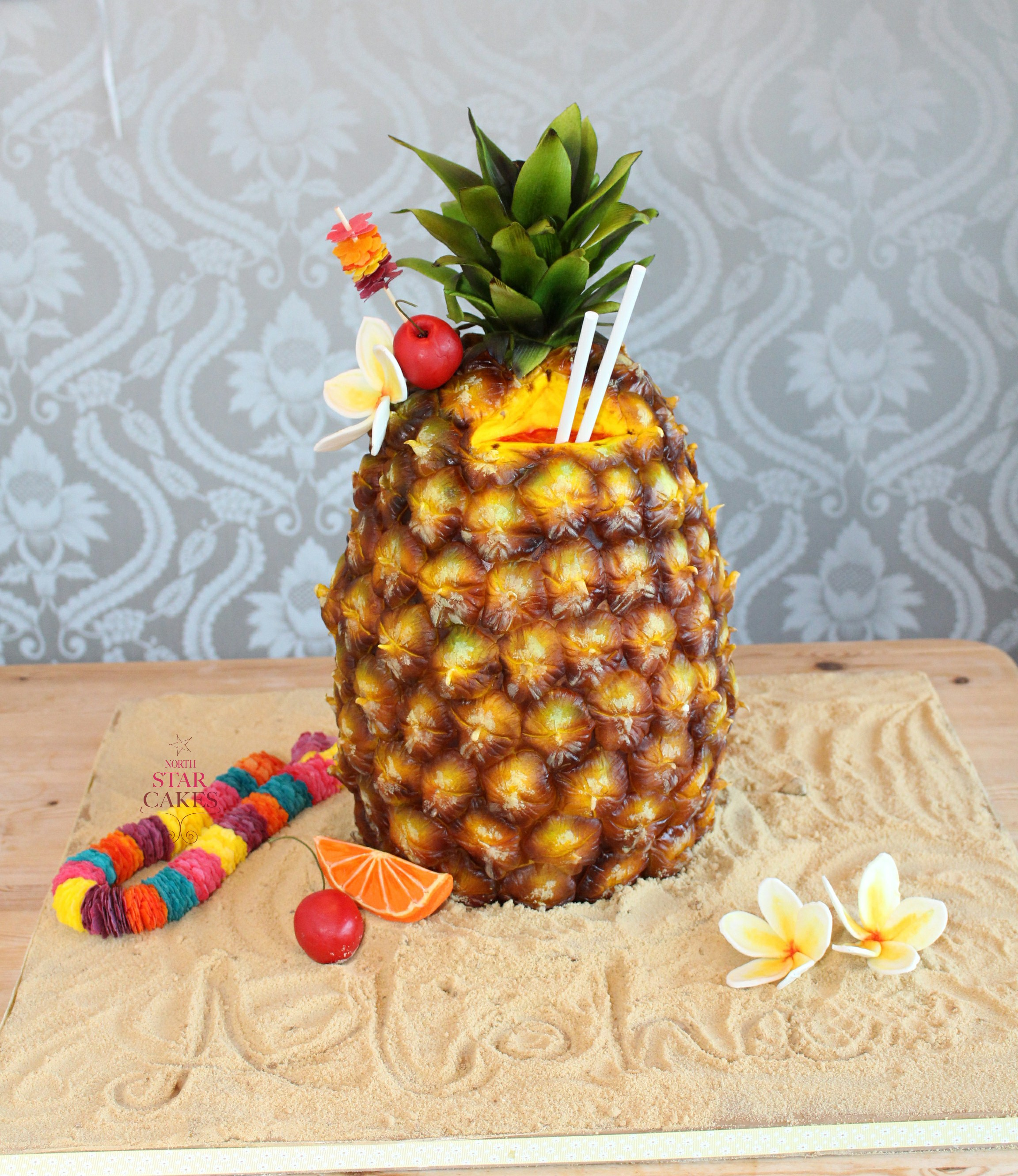 pineapple shaped cake cakebomb edible cake and edible exhibits 6546